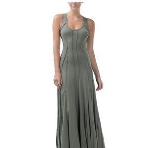 🌟HP🌟🌺NWOT🌺Gorgeous Olive Sleeveless Maxi Dress